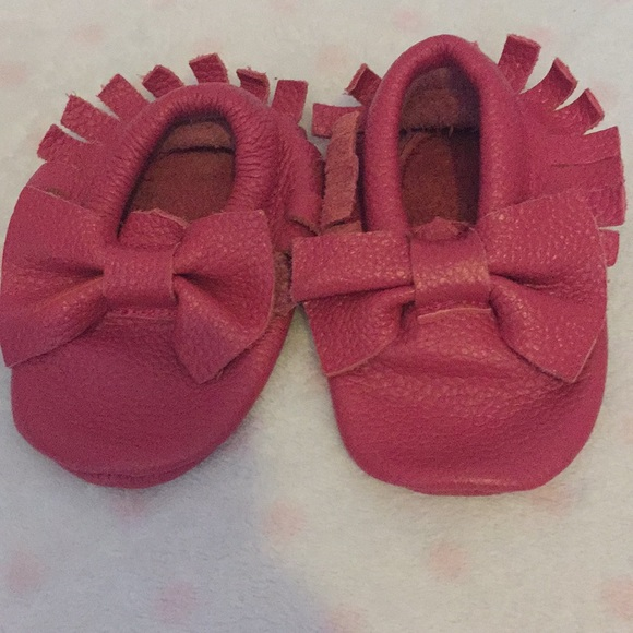 28c336faa99cb Pink moccasins from Amazon